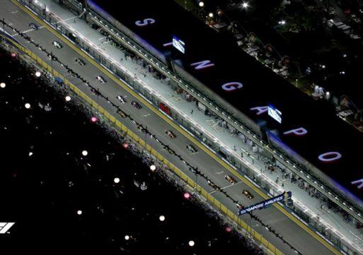 Mercedes slavil na 1.000 dirki