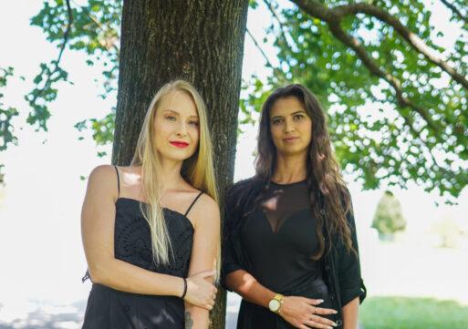 Suzana Bajrić in Tjaša Anderlič, voditeljici oddaje Top 8 na TV3